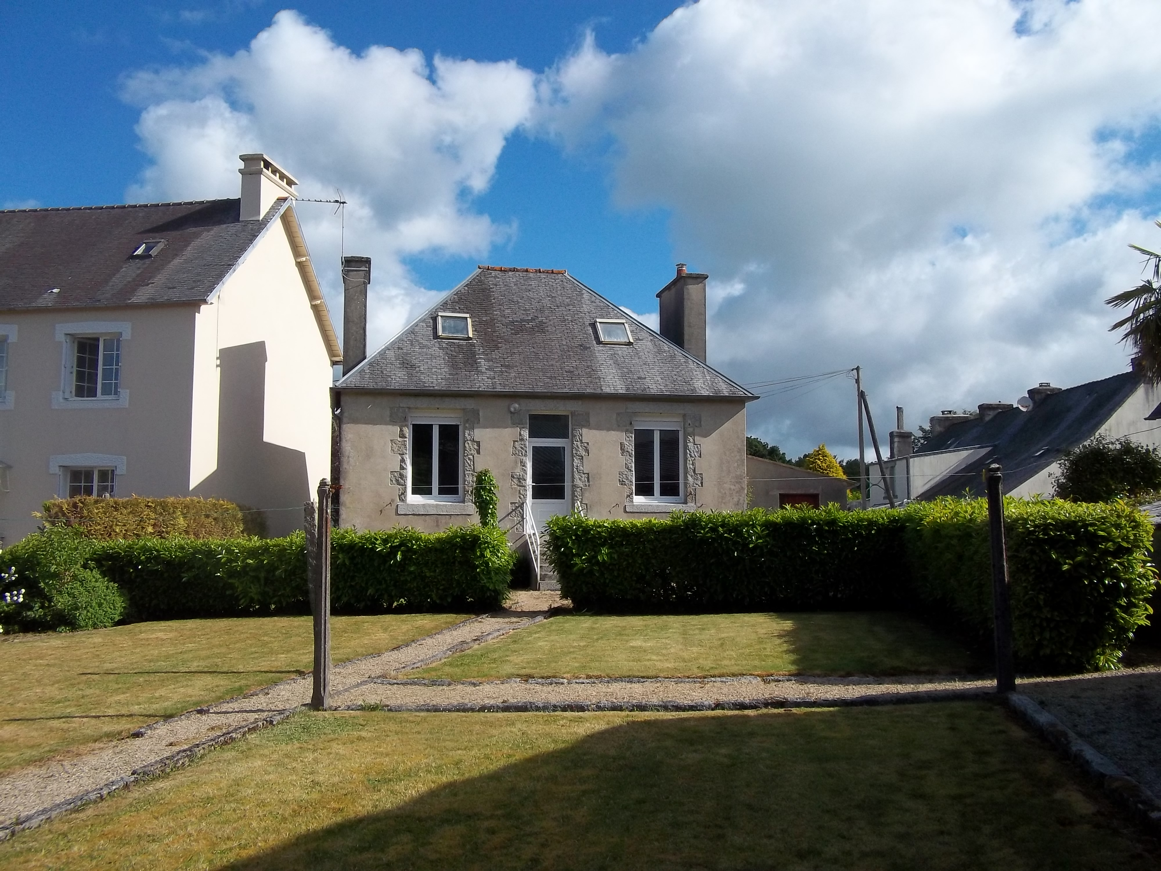 Brittany property for sale english speaking agents in for Jardin 800m2